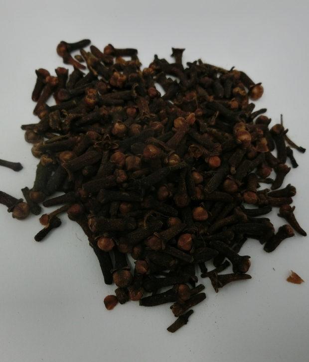 Chiodi di garofano (Syzygium aromaticum) interi